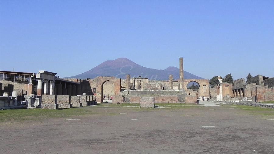 tour of pompeii from sorrento